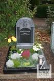 Urnengrabstein mit Ornament Säulen und Zirkel mit Pi Zeichen